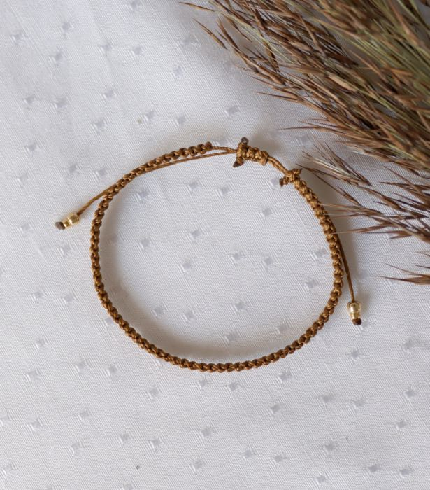 Brązowa bransoletka na rękę z kuleczkami - Regulowana bransoletka na rękę