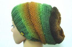 długa czapka w zieleniach i brązach