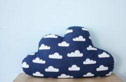 Wielka i mięciutka poduszka chmurka chmury