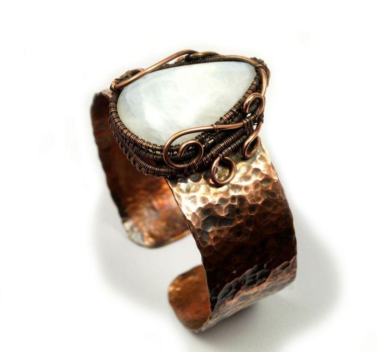 Bransoletka miedź z kamieniem księżycowym - regulowana miedziana bransoletka