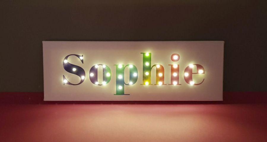 Tęczowy obraz LED z imieniem, dekoracja