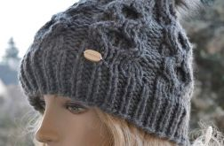 Szara wełniana czapka z dużym pomponem