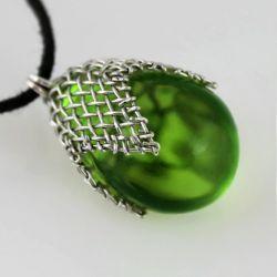 Zielony w siateczce - wisior