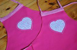 Komplet fartuchów dla mamy i córeczki - różowe