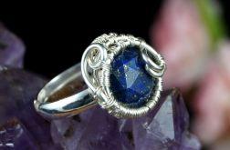 Srebrny pierścionek z lapisem regulowany