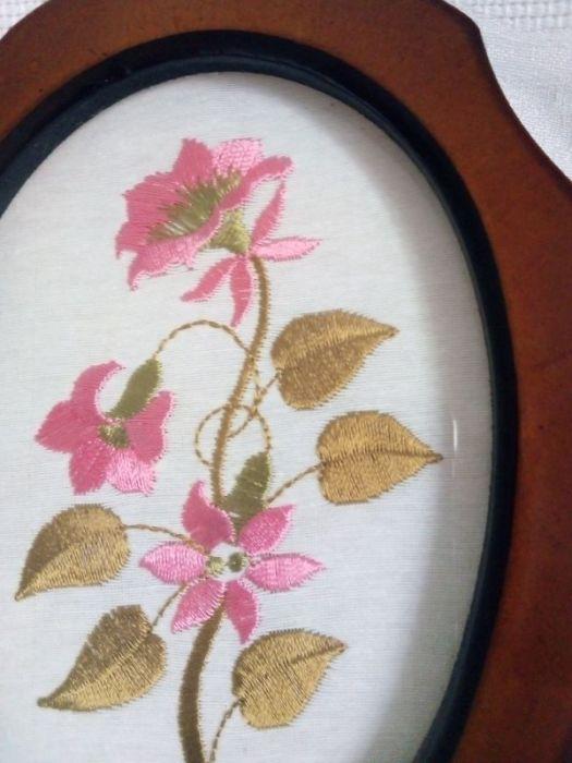 Haftowany obrazek- różowe kwiatki  - widok