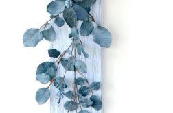Kompozycja na ścianę z kwiatów vintage