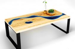 Stolik kawowy z wzorem niebieskiej rzeki
