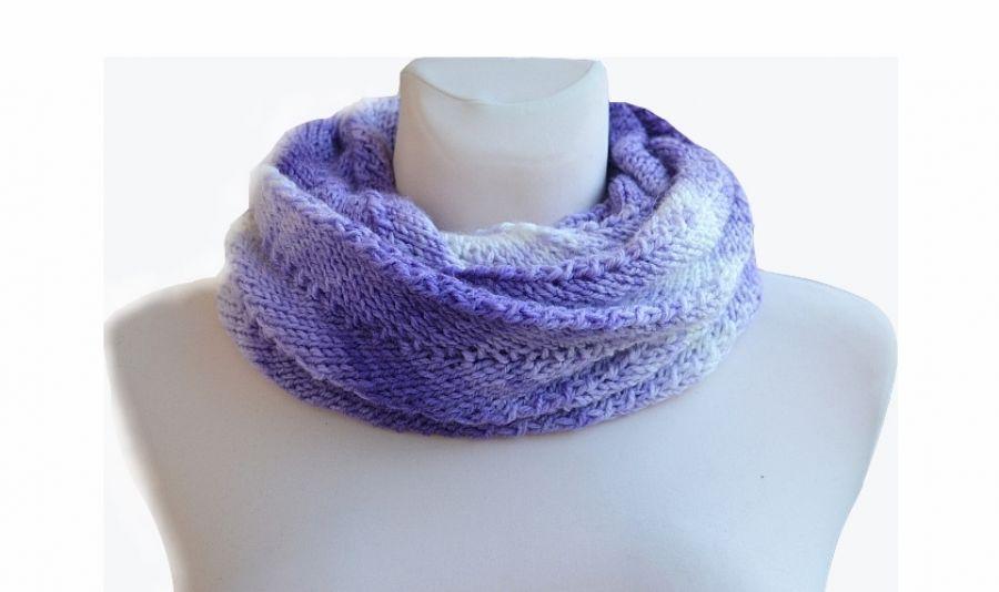 W odcieniach fioletu szal pętla