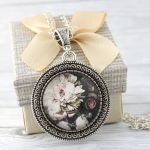 Komplet White Flower - medalion / kolczyki