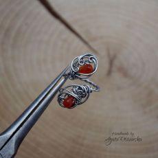 Pierścionek regulowany z karneolem ze stali