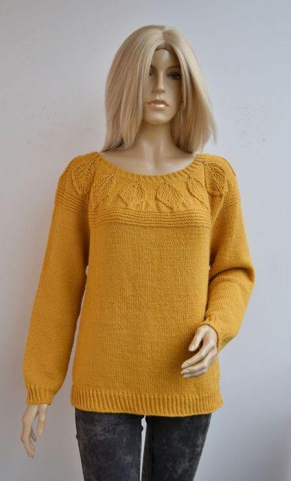 Sweterek w kolorze ochry