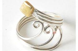 95 pierścionek vintage, srebro i mosiądz