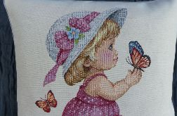 Poduszka gobelinowa Dziewczynka i Motyl