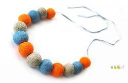 Korale z filcu siwo pomarańczowo niebieskie