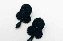 Czarne klipsy z błyszczącym kaboszonem