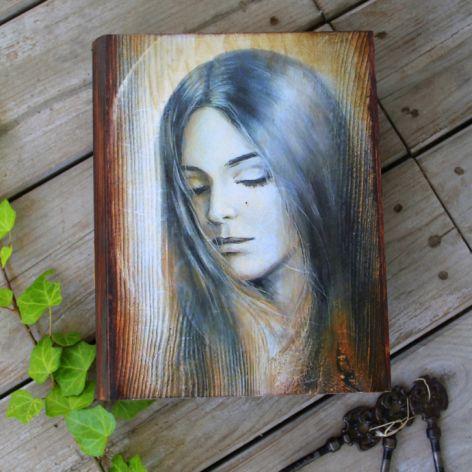 Pudełko w kształcie książki, motyw anioła, prezent