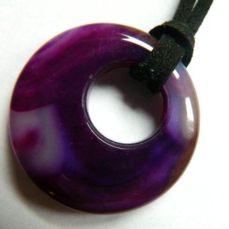 Agat z dziurką, fioletowy wisiorek
