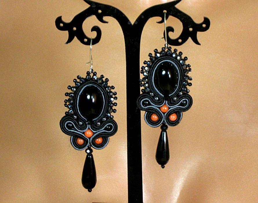 Czarne panny - kolczyki sutasz