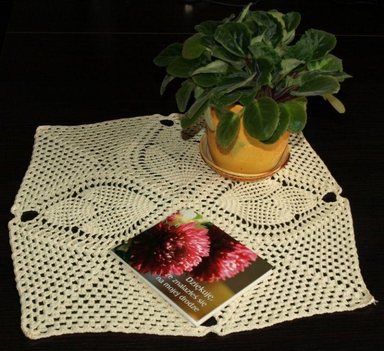 Serwetka w kolorze wanilii
