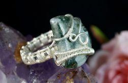 Srebrny pierścionek z agatem mszystym