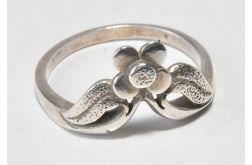 26 pierścionek vintage, delikatny kwiatek