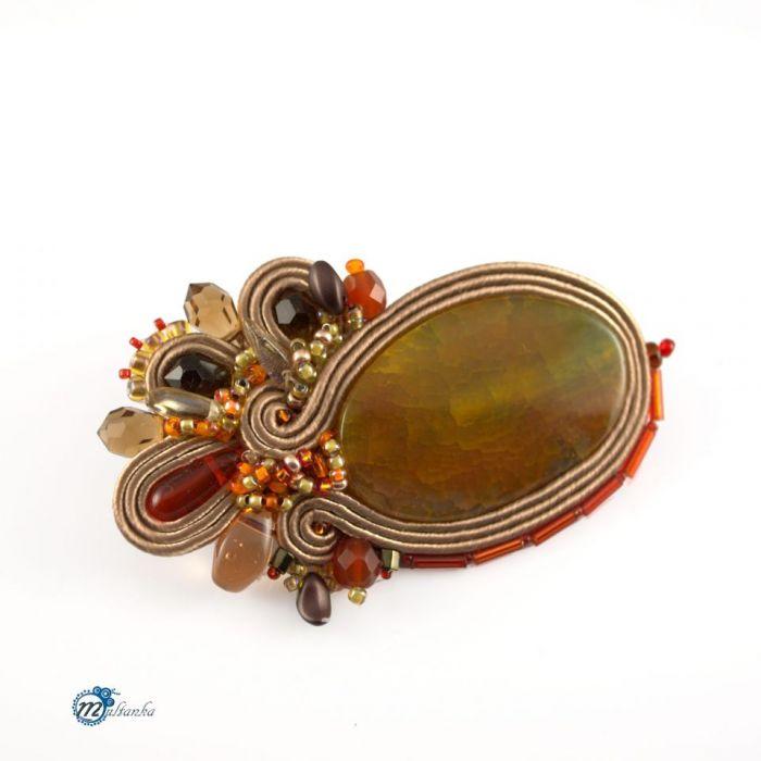 Brązowa sutaszowa broszka z pomarańczem