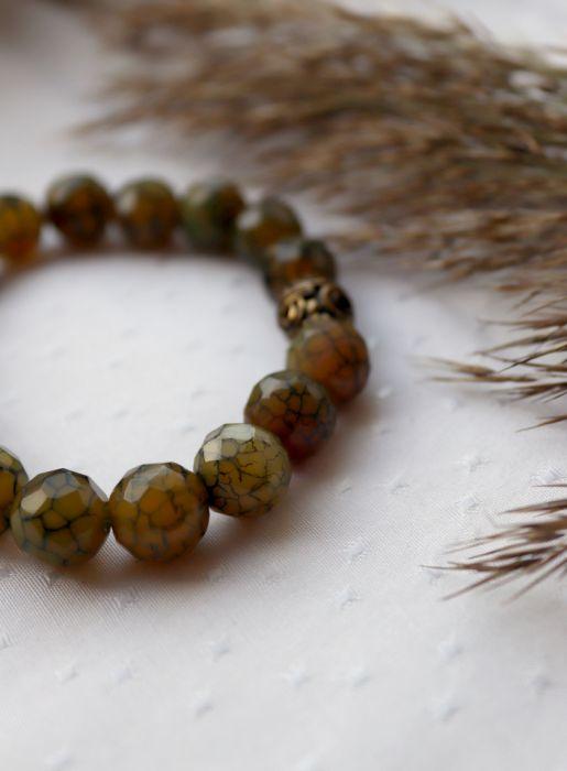 Bransoletka z zielonym agatem i koralikiem - Agat w kolorze oliwkowym