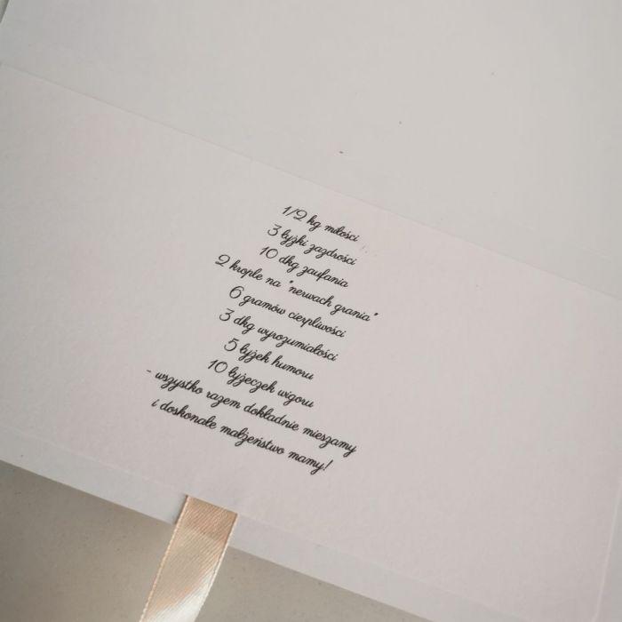 Kartka ślubna minimalistyczna para na skuterze  - życzenia