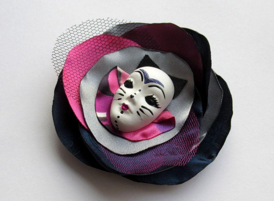 Broszka z kolekcji Masquerade - Koteczek