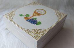 szkatułka-pamiątka I Komunii Św. z symbolami eucharystycznymi