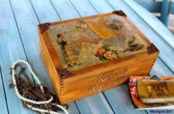 Drewniana skrzynia, kufer, prezent,