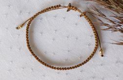 Brązowa bransoletka na rękę z kuleczkami