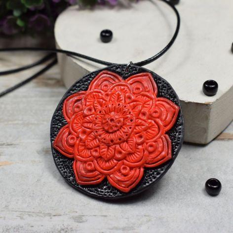 Wisiorek Czerwona Mandala