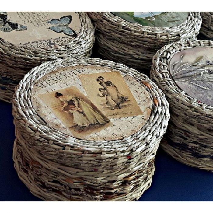 Koszyczek z gazetowej wikliny Retro pudełko - Koszyczek szkatułka z wilkiny gazetowej zamykany zdobiony metodą decoupage