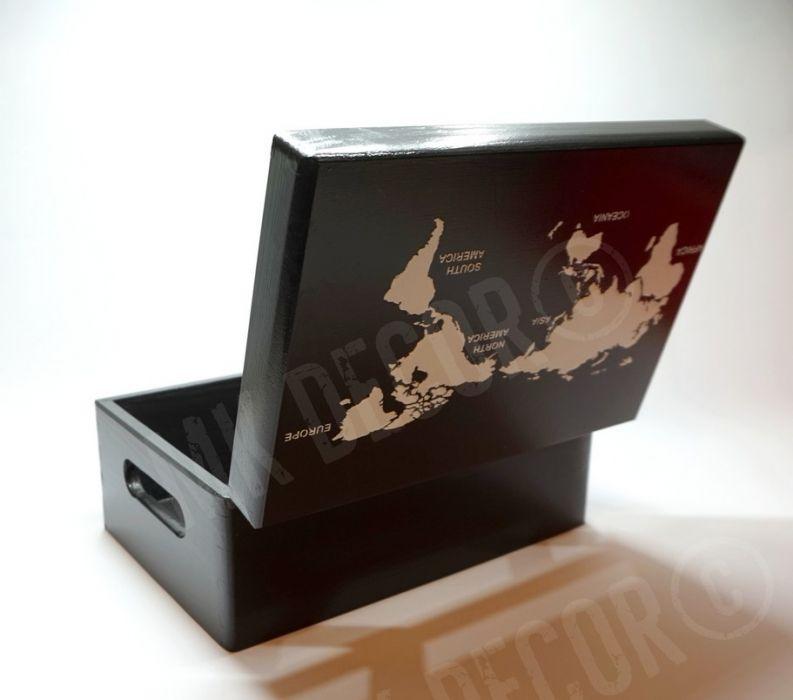 Skrzynia/kufer z wieczkiem czarny z mapą świata - kufer na drobiazgi