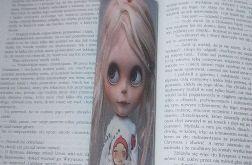 Zakładka do książki z dziewczynką