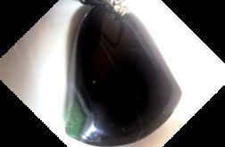 Czarny agat z kryształem, wisiorek - dzwonek