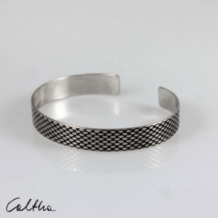 Rybia łuska - metalowa bransoletka 1 cm 210422-03 - Bransoleta w kolorze srebra