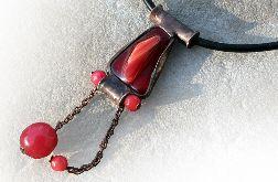 Czerwień w szkle i marmurze