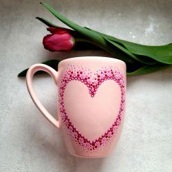 Ręcznie zdobiony różowy kubek na Dzień Matki