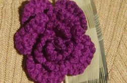 makrama, fioletowa broszka