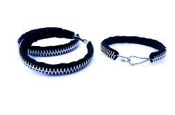 Designerski komplet czarnej biżuterii