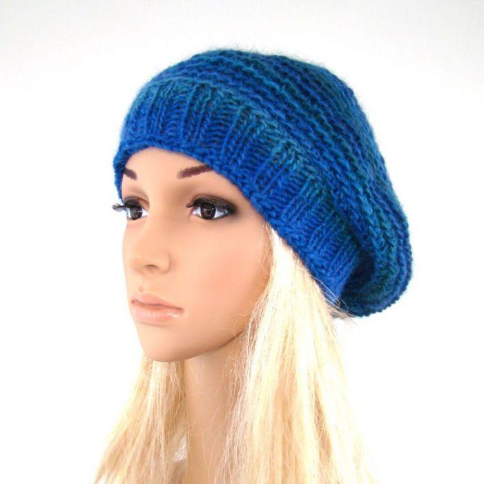 beret w błękitach 01