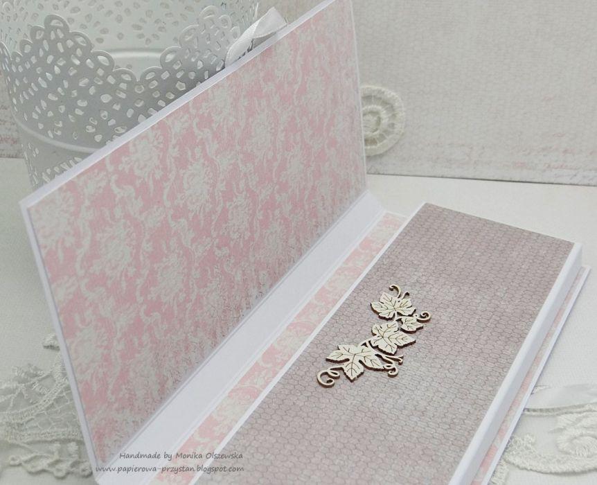 Komunijne pudełko na słodki upominek