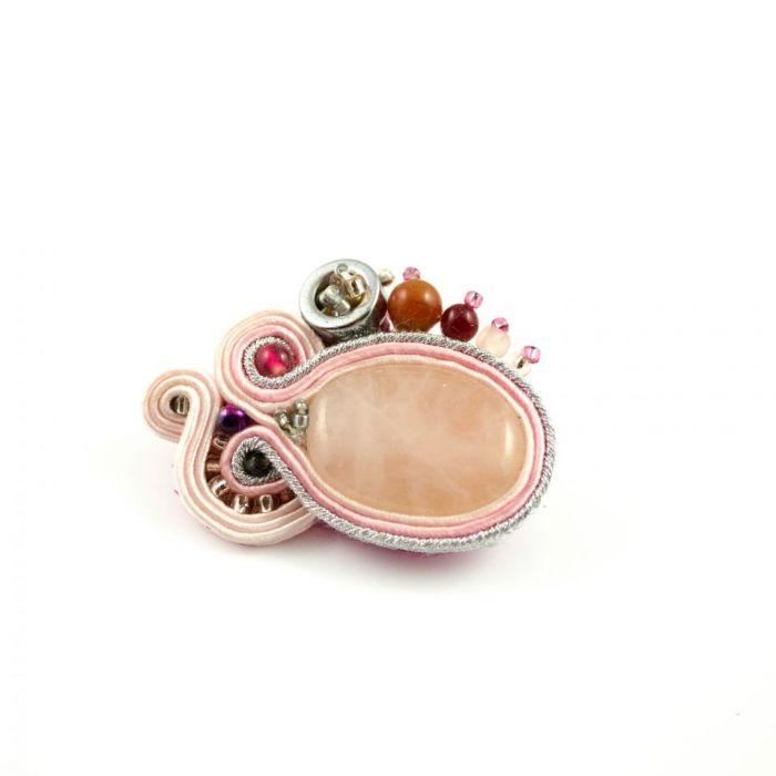 Różowo-srebrna broszka sutasz