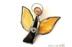 Aniołek z bursztynowymi skrzydłami
