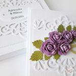 Kartka ŚLUBNA biało-fioletowa /Z - Biało-fioletowa kartka na ślub w pudełku