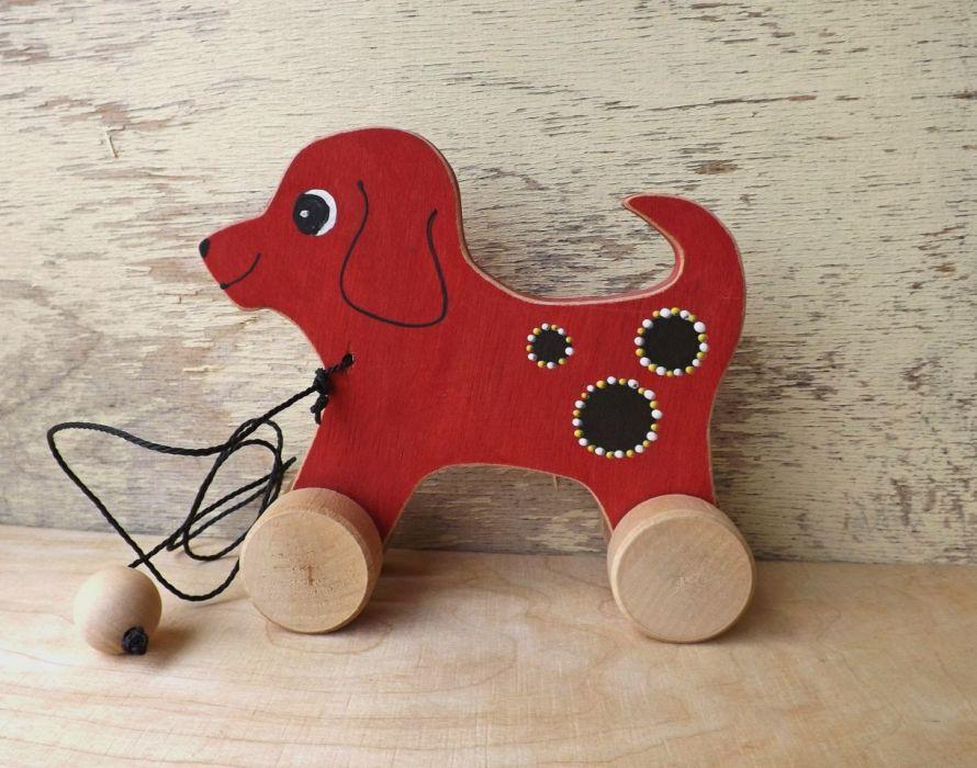 Drewniany piesek do ciągania, czerwony -