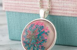 Medalion z prawdziwym kwiatem - biały